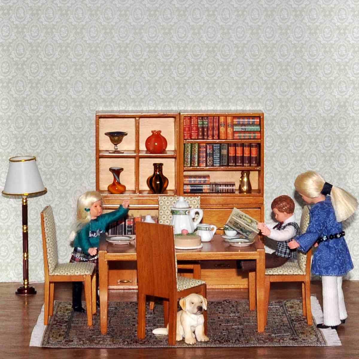 Living room, walnut (4 shelves, table, 4 chairs)リビングルーム(4つの棚、テーブル、4つの椅子)・完成品